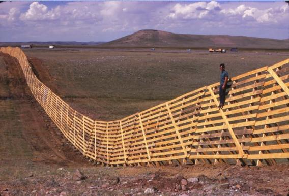 Snow fences: How do they work? What are they? Where did they