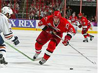 Eric Staal of the Carolina Hurricanes and Steve Staios of the Edmonton Oilers. Click image to expand.                  Click image to expand.