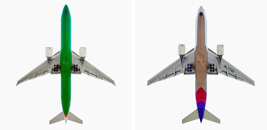 EVA Air Boeing 777-300 ER (l) Asiana Airlines Boeing 777-200