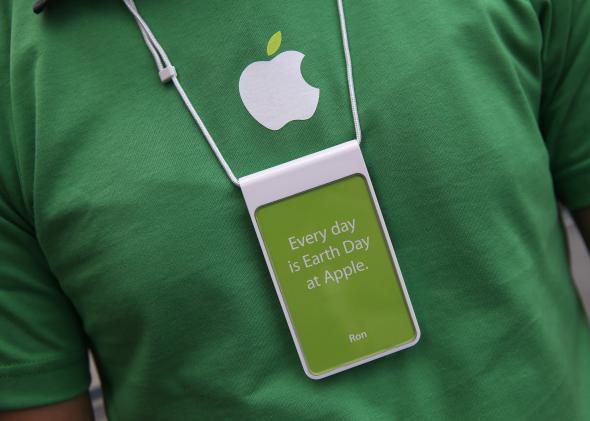 Apple employee on Earth Day.