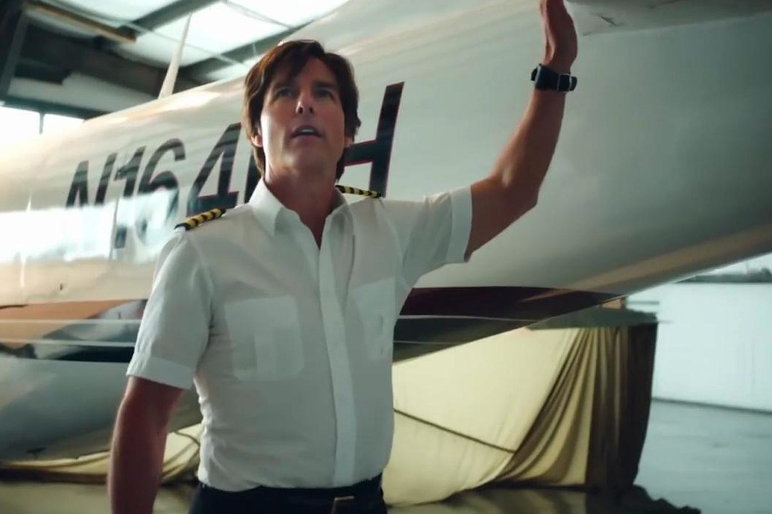 Tom Cruise in American Made.