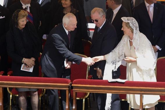 Liechtenstein's Prince Hans-Adam II greets Belgium's Queen Paola.
