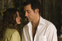 Ex-CIA officer Claire Stenwick (JULIA ROBERTS) and former MI6 agent Ray Koval (CLIVE OWEN). Click image to expand.