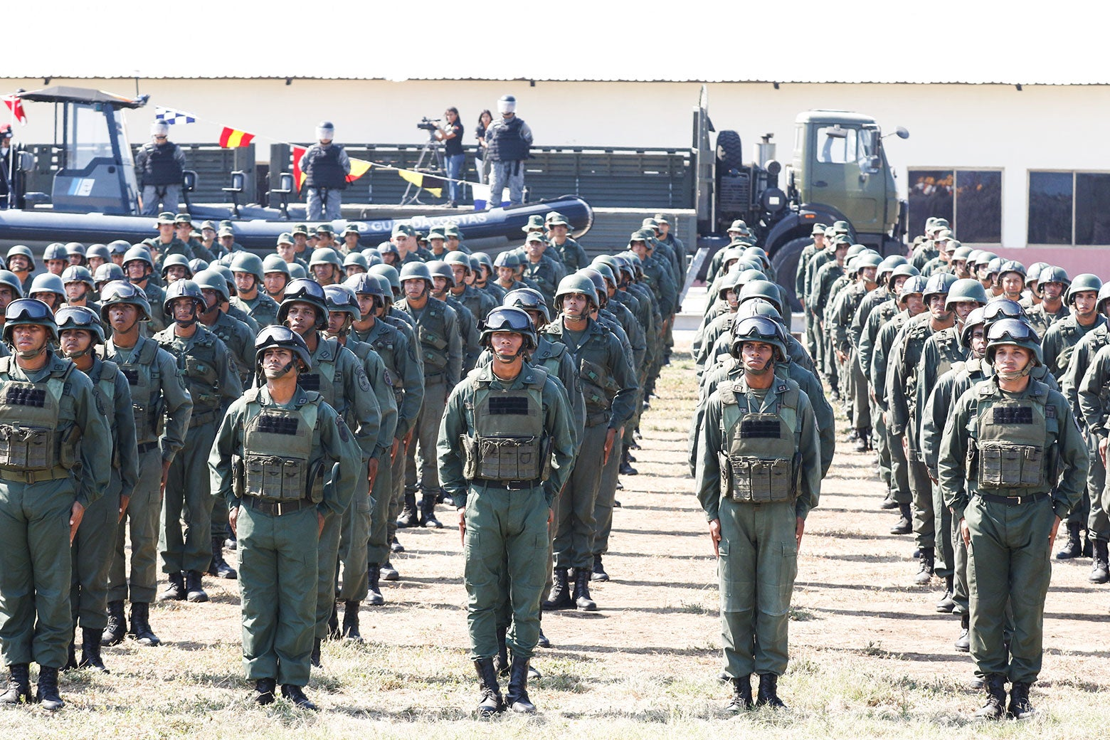 Venezuelan soldiers take part in a military exercise.