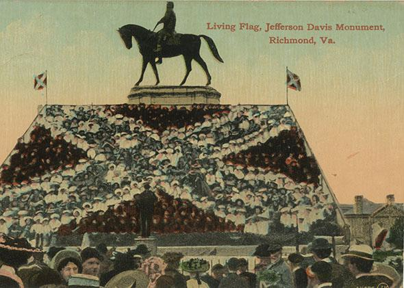 """Living flag"" below the Lee Monument in Richmond, Virginia (incorrectly identified in the image as the Jefferson Davis Monument), postcard, published c. 1907."