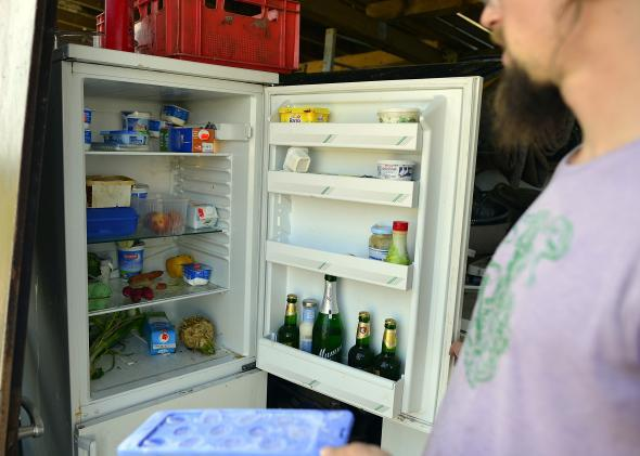Refrigerator organization: a video showing you how to put things in your fridge.