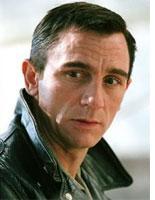 Daniel Craig in Infamous.