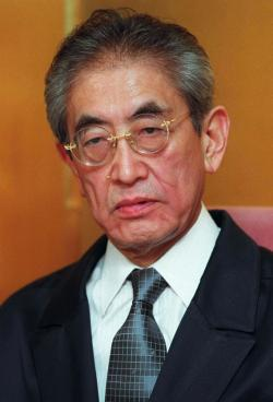 Director Nagisa Oshima.