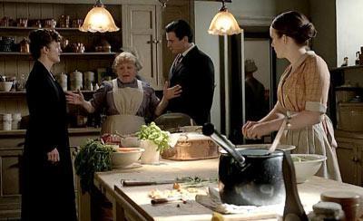 O'Brien, Mrs. Patmore, and Thomas make a deal.