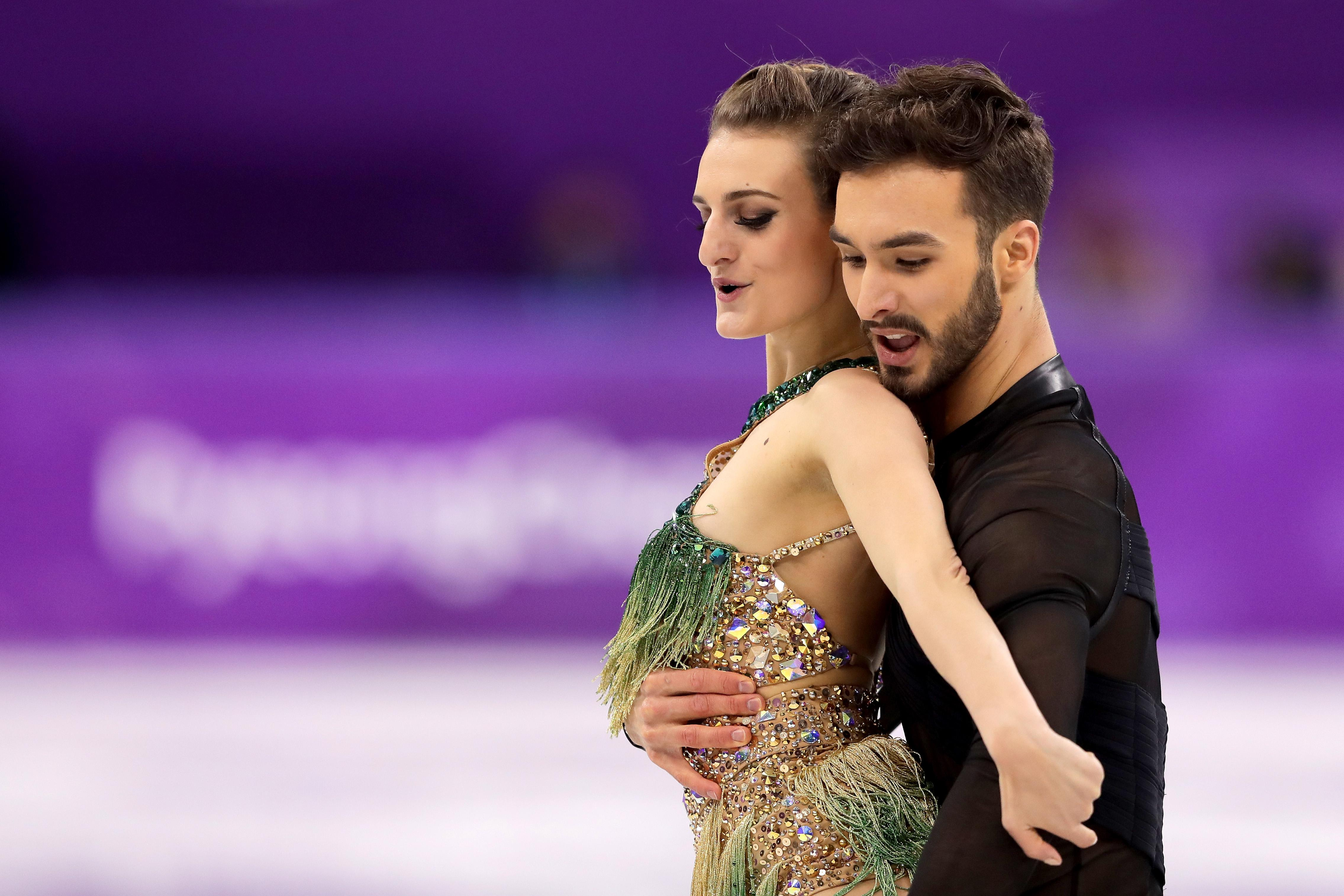 GANGNEUNG, SOUTH KOREA - FEBRUARY 19:  Gabriella Papadakis and Guillaume Cizeron of France compete during the Figure Skating Ice Dance Short Dance on day 10 of the PyeongChang 2018 Winter Olympic Games at Gangneung Ice Arena on February 19, 2018 in Pyeongchang-gun, South Korea.  (Photo by Richard Heathcote/Getty Images)