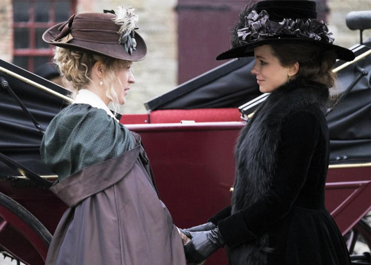 Chloë Sevigny and Kate Beckinsale in Love and Friendship.
