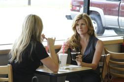 Aimee Teegarden as Julie Taylor, Connie Britton as Tami Taylor. Click image to expand.