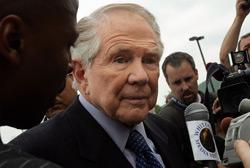 Pat Robertson Rejects Biblical Creation on 700 Club Show, Says its Nonsense