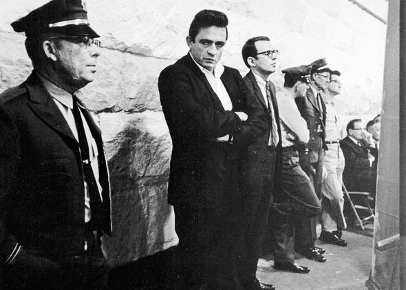 Johnny Cash The Life A New Biography By Robert Hilburn Reviewed