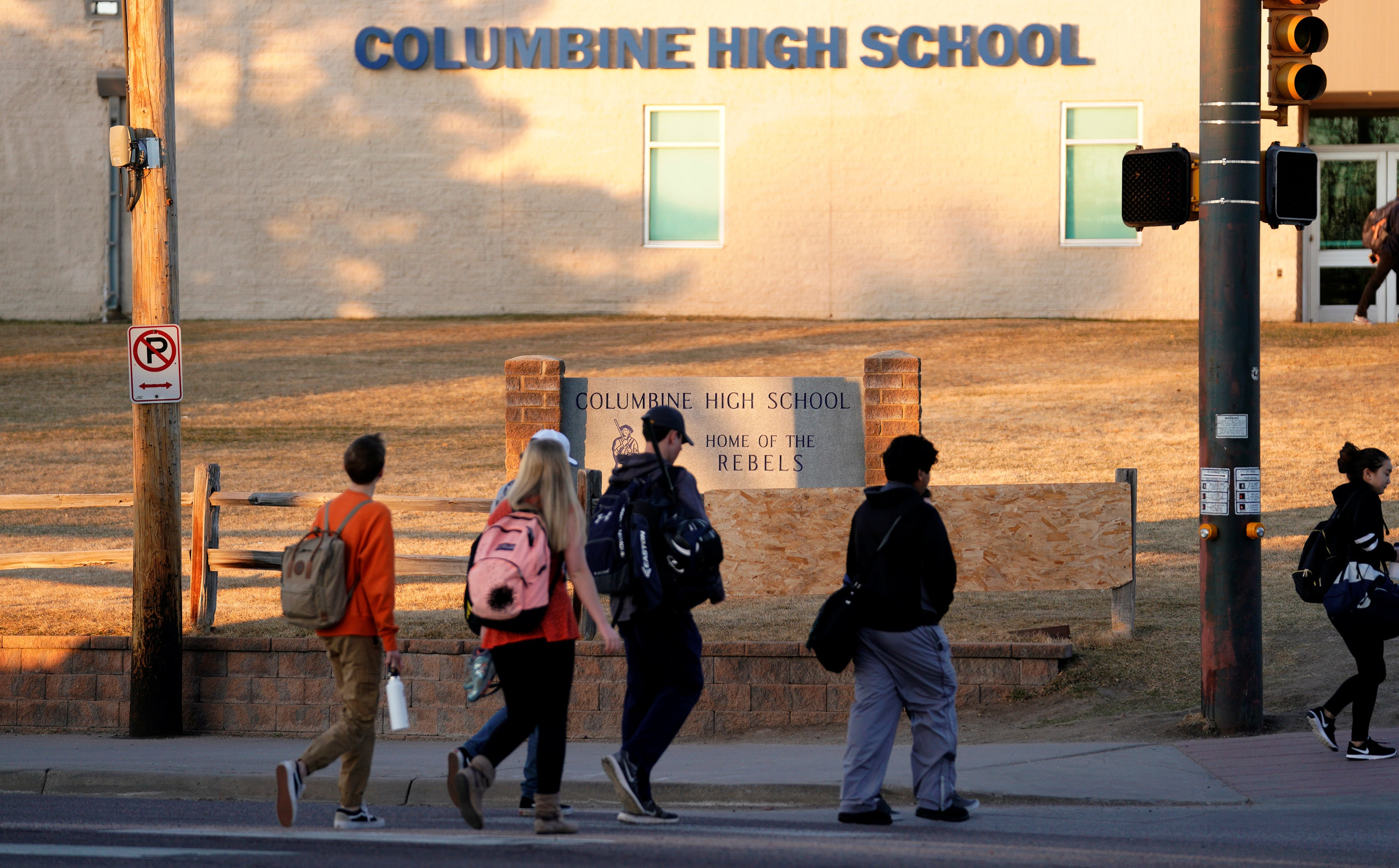 lockout at Credible  School Columbine causes High threat