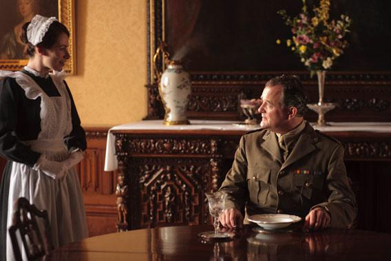 Clare Calbraith as Jane and Hugh Bonneville as Lord Grantham.