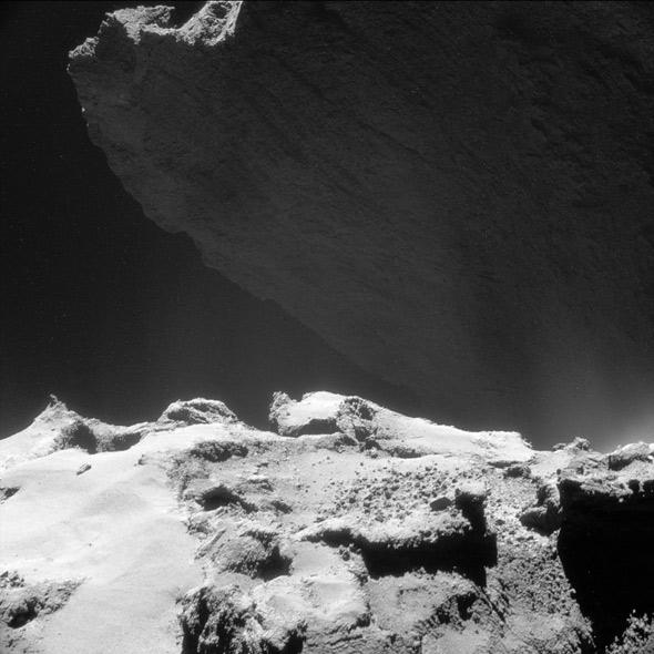 Rosetta: The cliffs of the comet