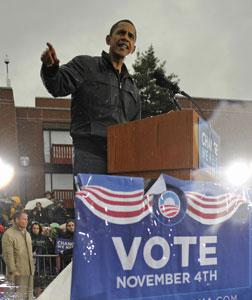 US Democratic presidential candidate Illinois Senator Barack Obama. Click image to expand.