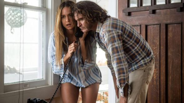 Joaquin Phoenix and Katherine Waterston in Inherent Vice