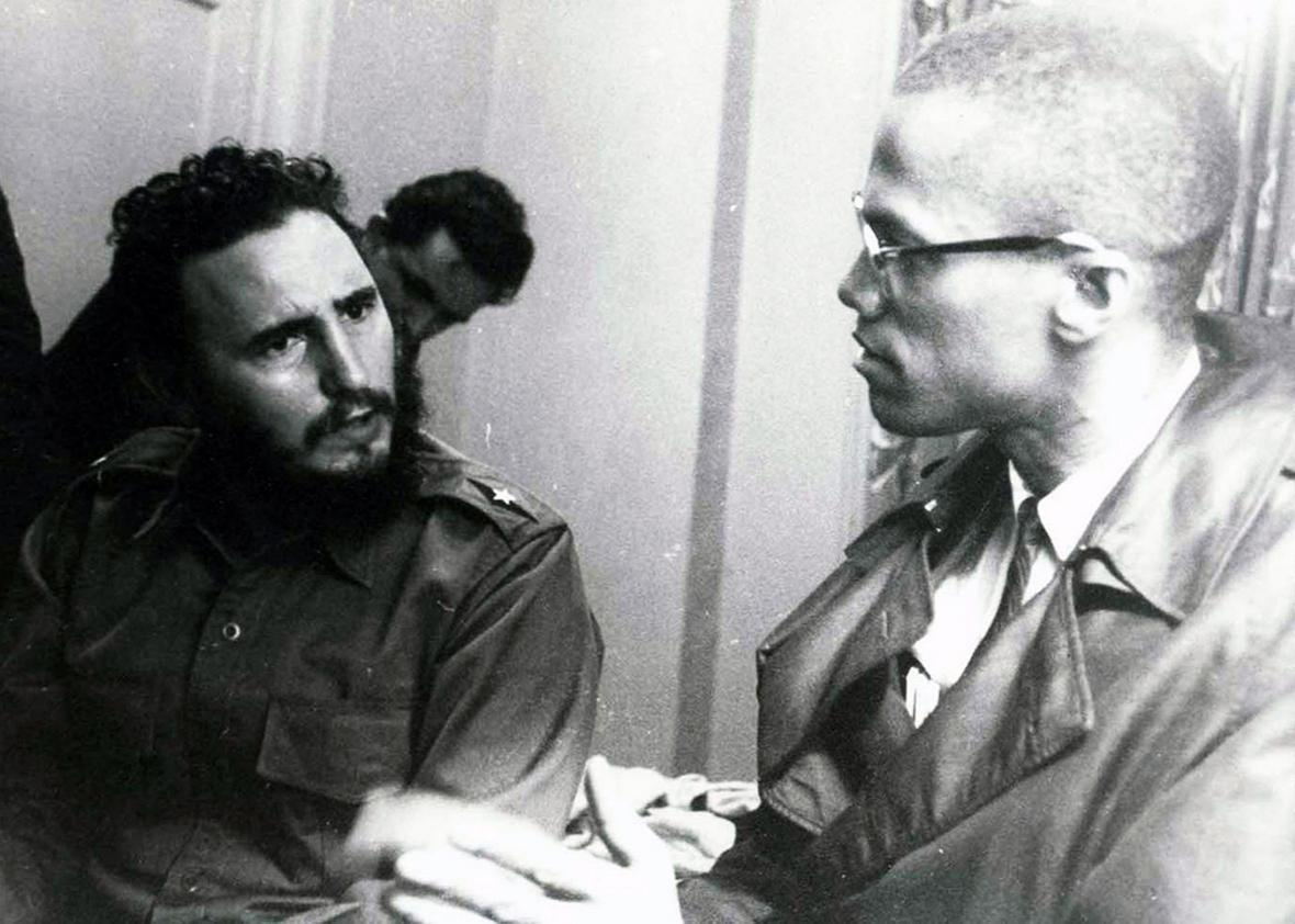 Photograph of a meeting in Harlem with Fidel Castro and Malcolm X dated 1960.
