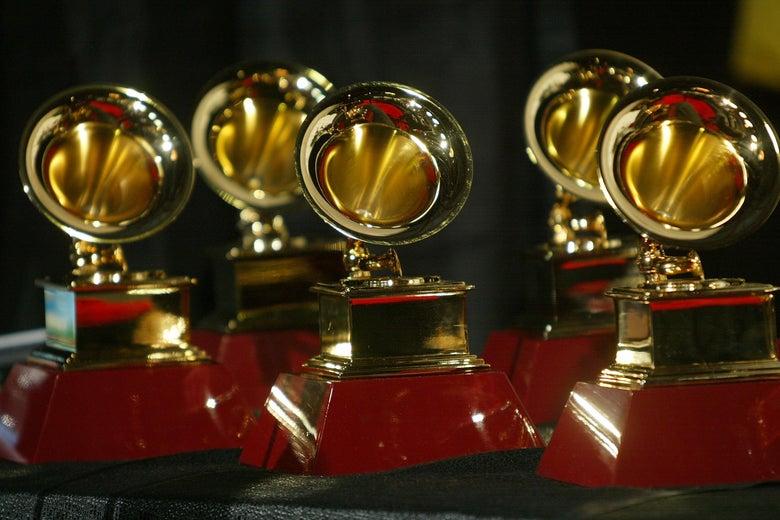 Gold statuettes shaped cherish gramophones.