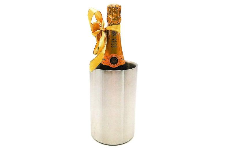 Stainless steel wine cooler bucket.