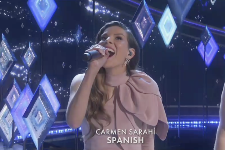 Carmen Sarahí sings from Frozen 2 in Spanish onstage at the Oscars.