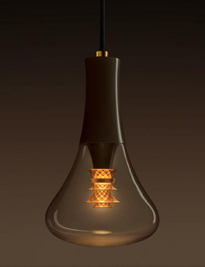 [Plumen] 003 light bulb - Plumen-003-designer-LED-bulb-dark-backround