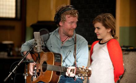 Glen Hansard as Himself, Mae Whitman as Amber Holt.