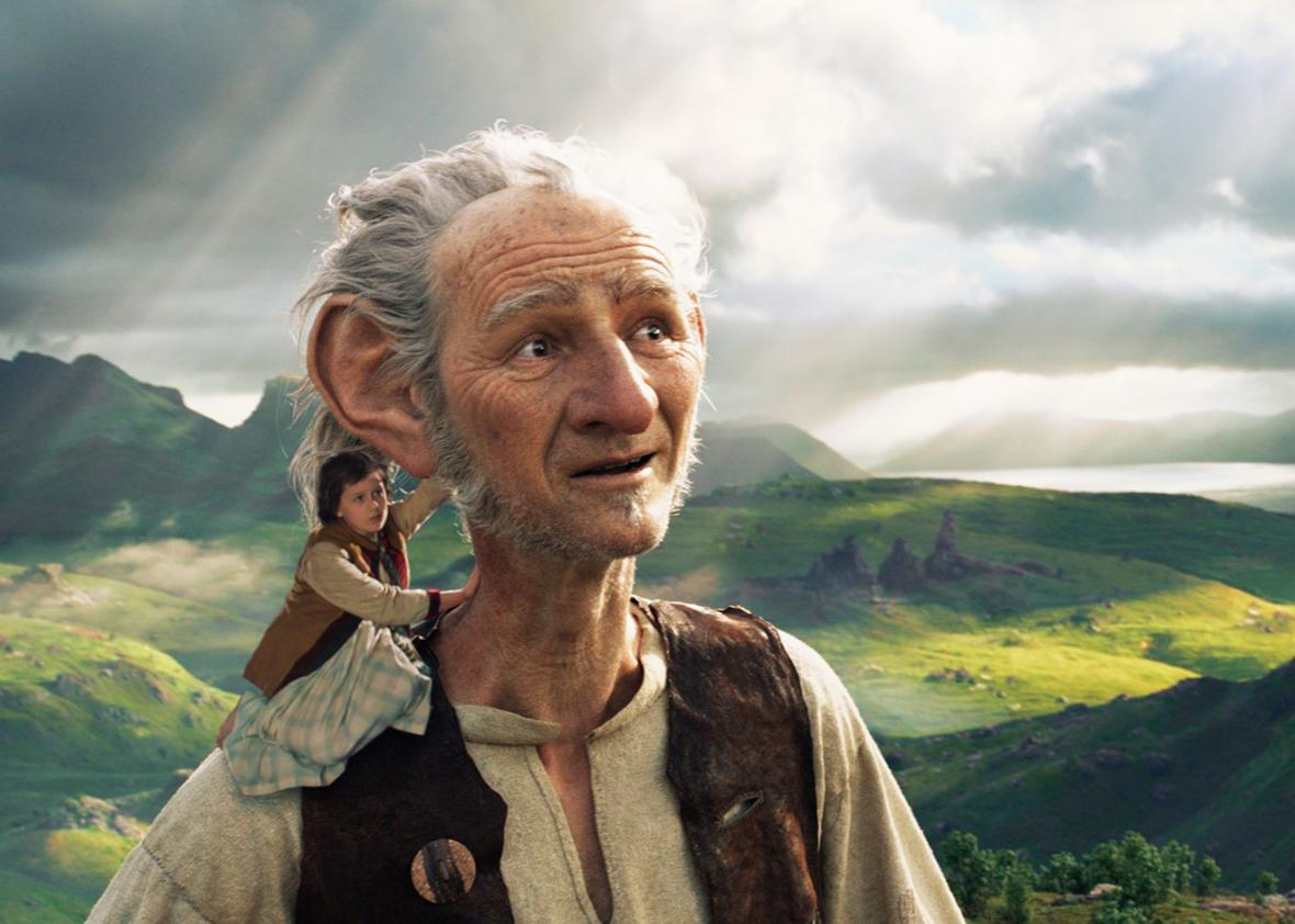 Mark Rylance and Ruby Barnhill in The BFG.