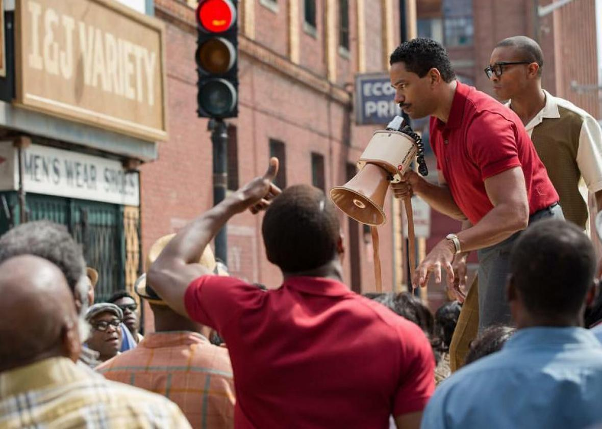 Laz Alonso and Benz Veal in Detroit (2017)