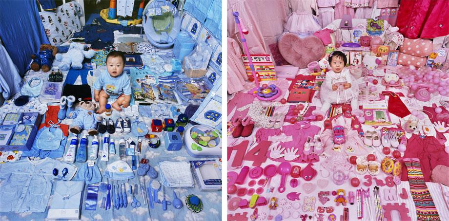 The Blue Project – Jake and His Blue Things, Light jet Print, 2006 (l) The Pink Project – Dayeun and Her Pink Things, Light jet Print, 2007