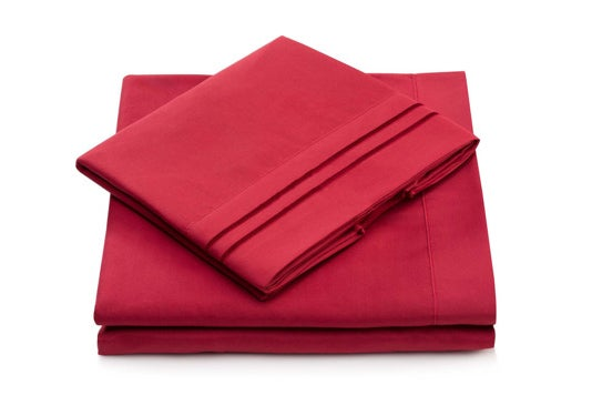 Red Cosy House sheet set.