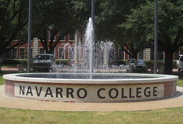 Navarro College sign off Texas State Highway 31.