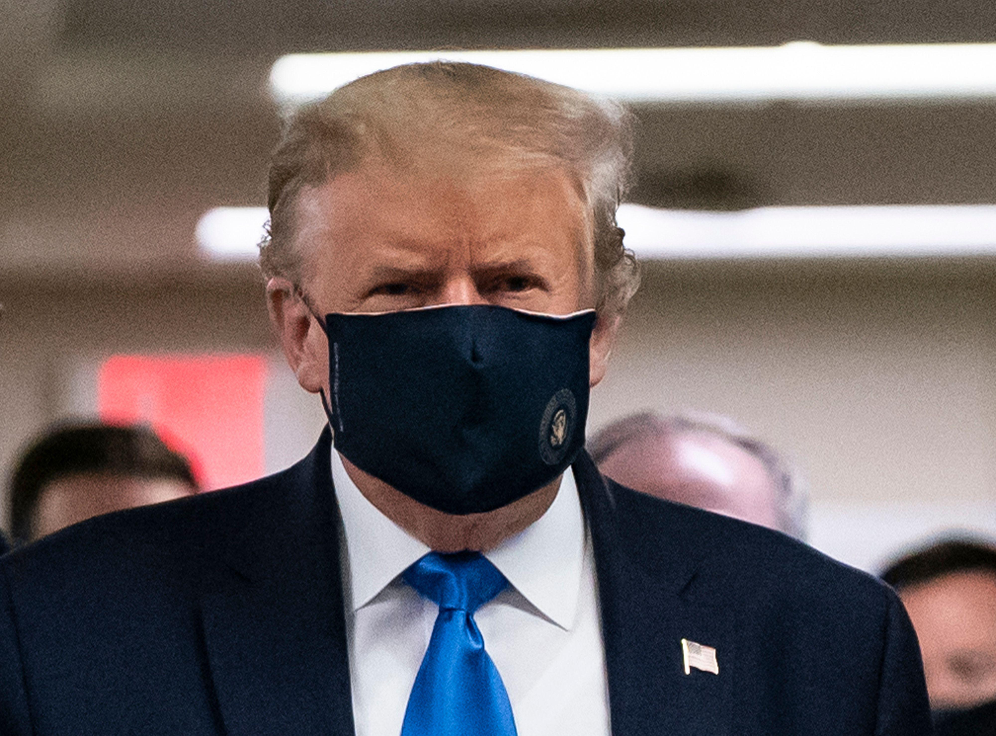 slate.com - Daniel Politi - Trump Wears Face Mask in Public for First Time During Coronavirus Pandemic