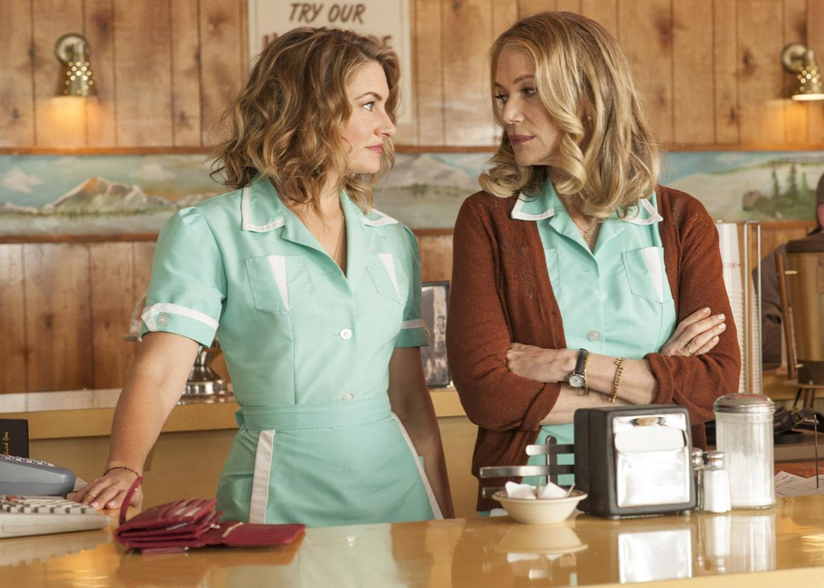 Mädchen Amick and Peggy Lipton in a still from Twin Peaks.