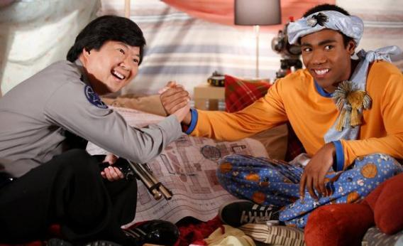 """Community, """"Pillows and Blankets"""": Season 3, Episode 14 reviewed"""