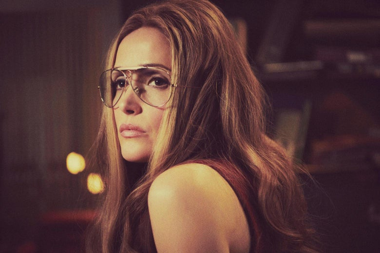 Close-up of Rose Byrne as Gloria Steinem on Mrs. America
