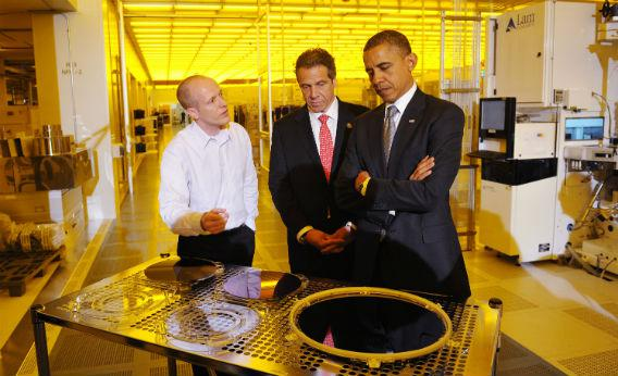 President Obama tours a science and engineering complex