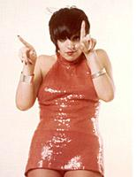 Liza Minnelli in red. Click image to expand.