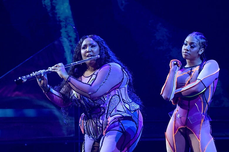 Lizzo Opens the Grammys With a Flute Solo and a Kobe Bryant Shoutout
