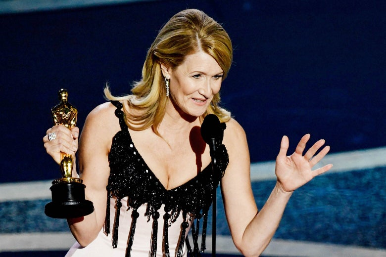 Laura Dern with her statuette