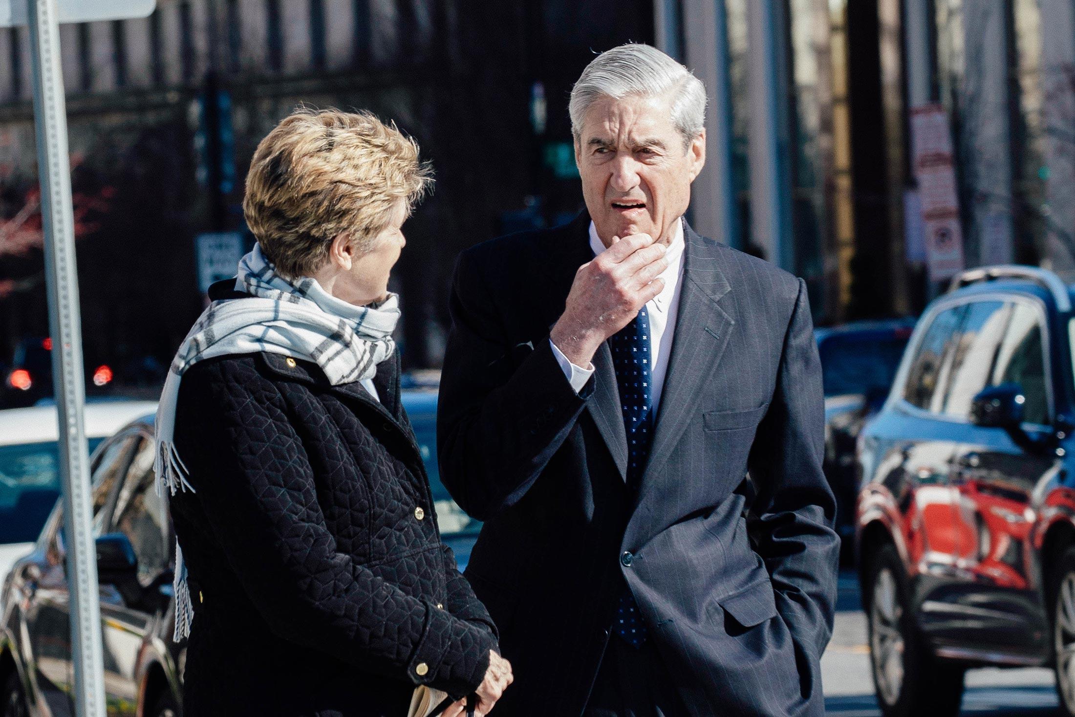 Ann Mueller and special counsel Robert Mueller take a walk.