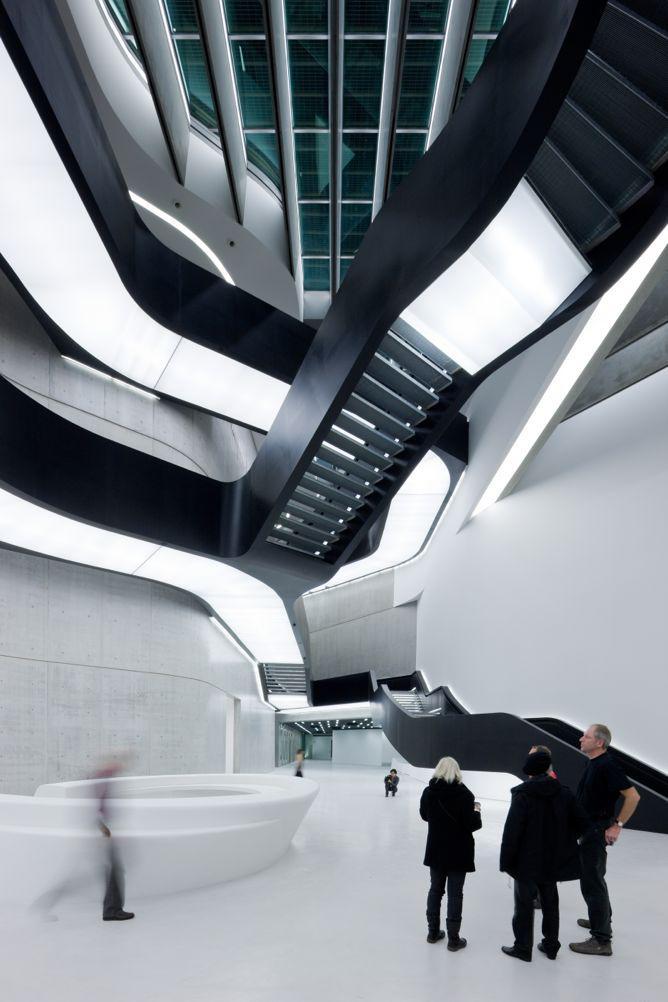01. MAXXI Museum of XXI Century Art, Rome_photo Iwan Baan