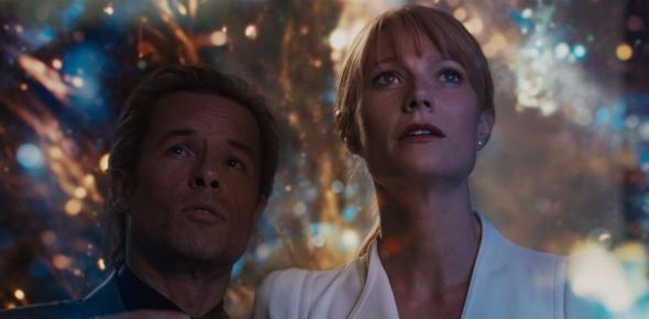 Aldrich Killian (Guy Pearce) and Pepper Potts (Gwyneth Paltrow) in Iron Man 3