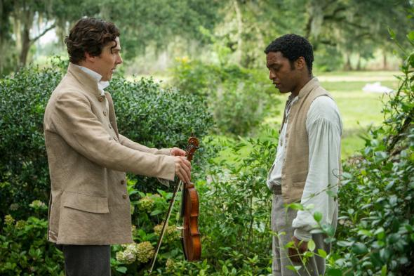 William Ford (Benedict Cumberbatch) with Solomon Northup (Chiwetel Ejiofor)