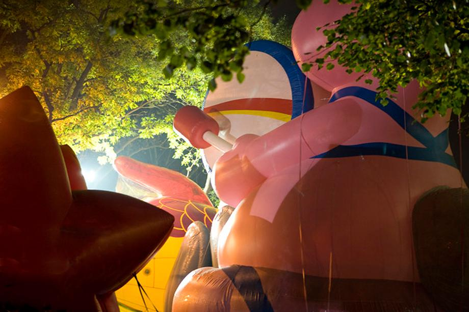 Frank Hallam Day, Blown Ups, Energizer Bunny