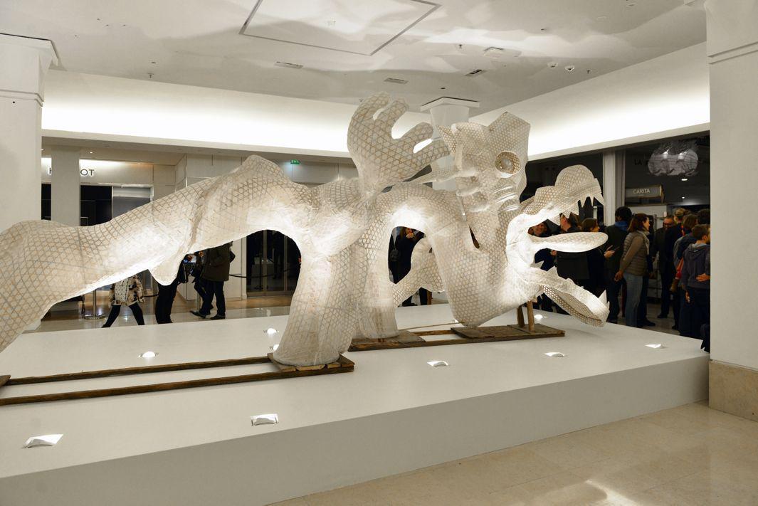 Bon Marche 17 01 16 vernissage Expo ER XI Ai Weiwei Oeuvre Le Dragon -copyright Saywho