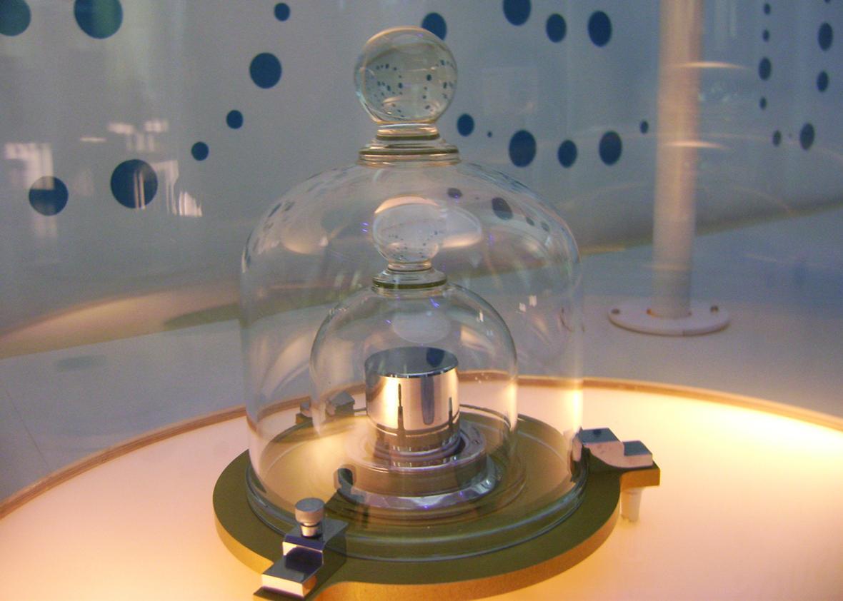 A replica of the prototype of the kilogram at the Cité des Sciences et de l'Industrie, Paris, France.