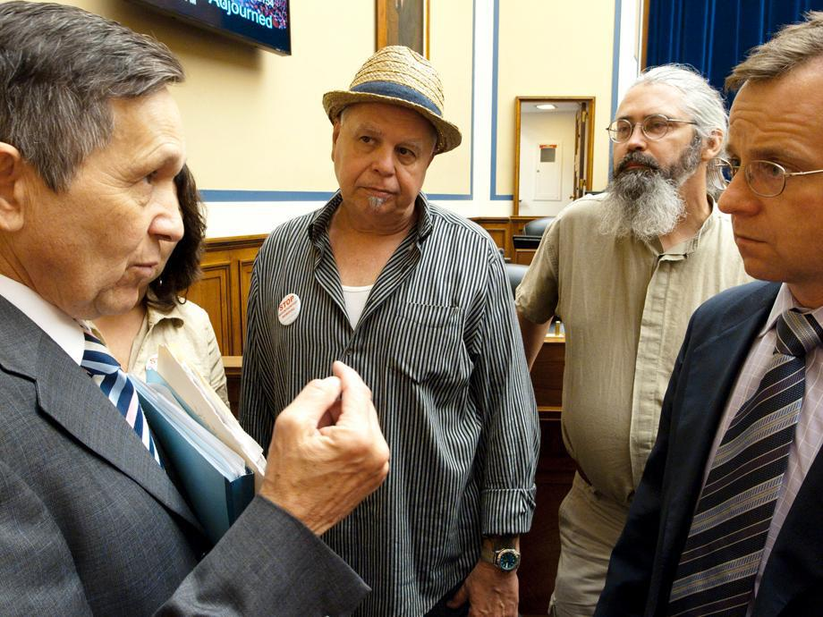 Bo Webb and Vernon Haltom speak with Rep. Dennis Kucinich